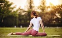 2020运动服饰趋势:塑形紧身裤和瑜伽服热度持续