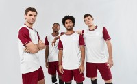 adidas 发布拜仁 120 周年纪念版球衣