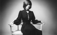 Saint Laurent 公司一次性收购超过4000件品牌古董服装