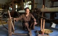 """越南""""莲花丝"""":受到时尚设计师追捧的环保面料"""
