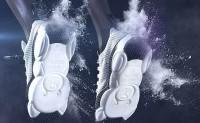 Moschino带来全新泰迪熊运动鞋系列