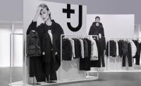 优衣库与设计师 Jil Sander 推出的联名+J系列
