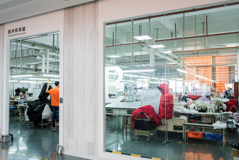 一家中国著名男装品牌敞开了工厂的大门