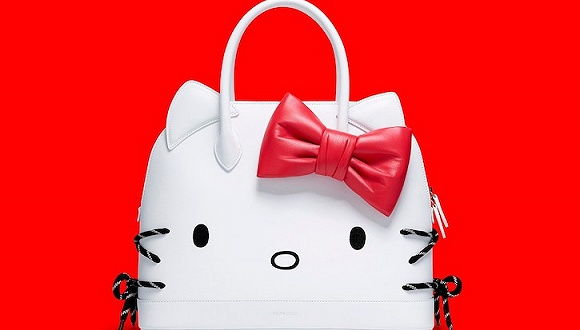 Balenciaga推出Hello Kitty包袋系列