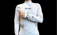 """依靠穿戴者汗液和运动发电的""""智能""""衬衫"""