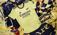 adidas 发布阿森纳 2021/22 赛季新客场球衣