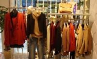 国内传统服装行业可视为典型红海市场